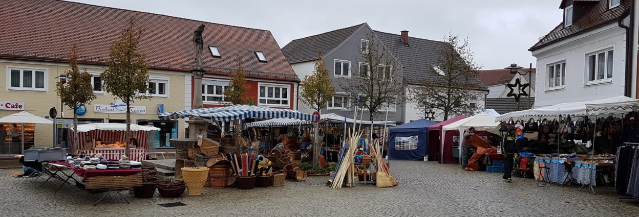 Header - Markt im Herbst-Winter